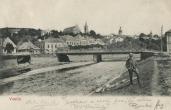 Pohled od Bečvy na železný most a Horní město