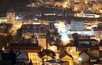 Noční Vsetín od Jabloňové (745 Mpix)